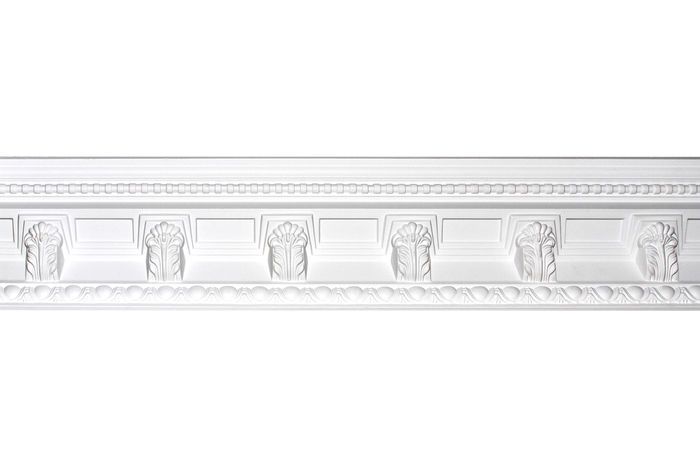 Side crown molding with ornate design