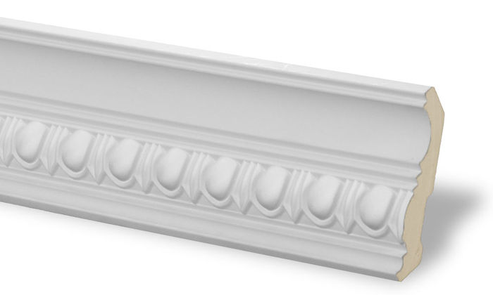 white molding for kitchen