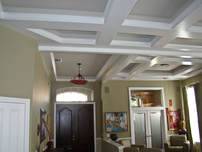 white crown moldings design